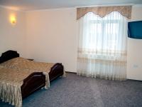 Двухместный номер с отдельными кроватями отеля СВ гостинично-ресторанного комплекса СВ