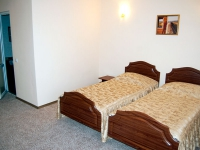 Double rooms with two twin beds